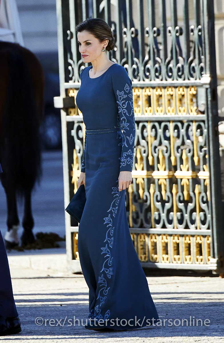 b77fb87e4 Os estilos da realeza  Rainha Letizia de Espanha – Stars Online