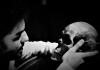 HAMLET, de William Shakespeare, estreia no Teatro Experimental de Cascais a 21 de Abril